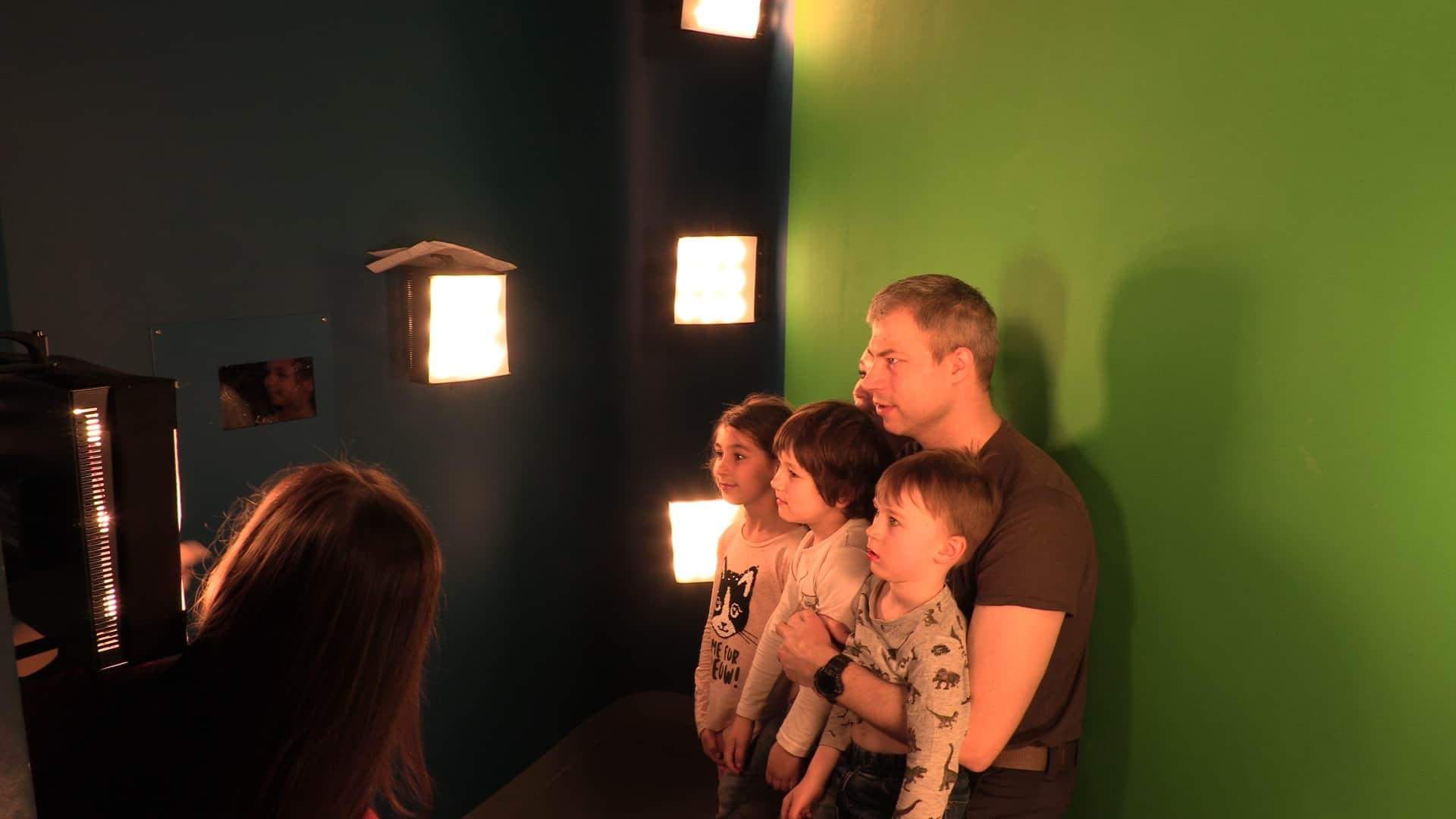Our photo kiosk looks like a real studio: there is chromakey screen, lighting, two cameras, managing touch display.